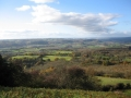 views-from-walsgrove-hill-great-witley-looking-northwest-across-the-teme-valley-underlain-by-silurain-mudstones-to-the-bromyard-plateau-devoninan-sandstones